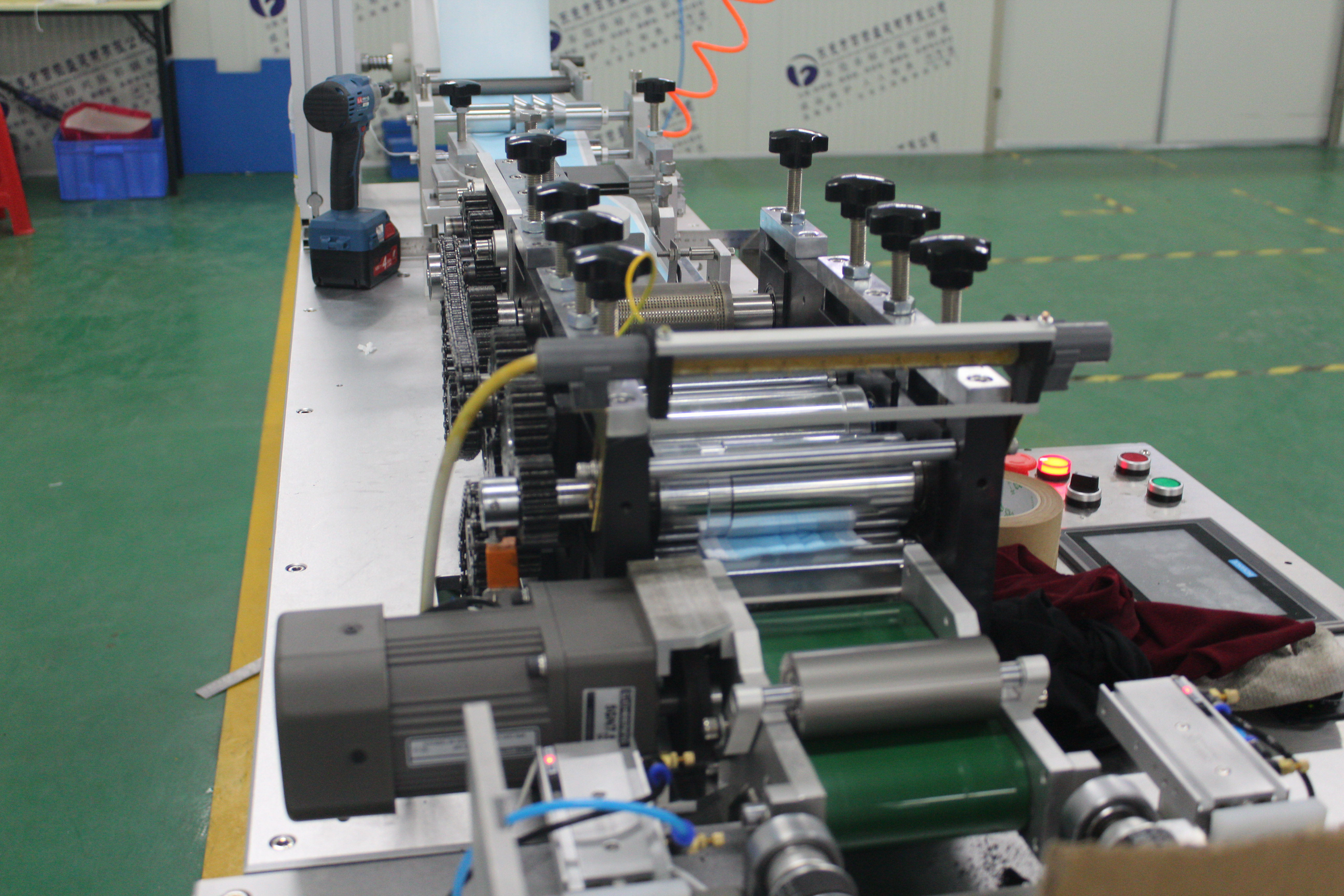 High Production Disposable Face  Mask Machine Supplier